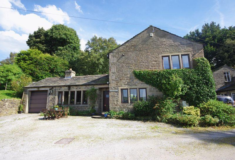 4 Bedrooms Equestrian Facility Character Property for sale in Foxstones Barn, Bank Hey Bottom Lane, Ripponden, HX6 4HQ