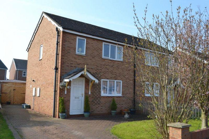 3 Bedrooms Semi Detached House for sale in Gleneagles Crescent, New Holland
