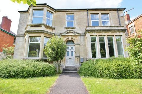 5 bedroom detached house to rent - Wingfield Road, Trowbridge