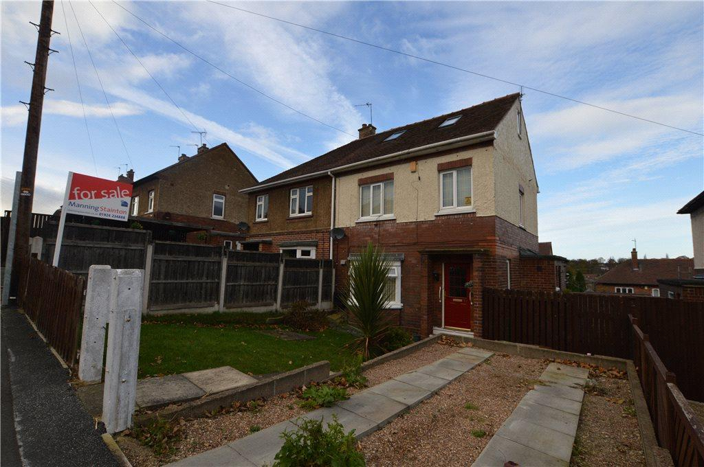 4 Bedrooms Semi Detached House for sale in Denhale Avenue, Wakefield, West Yorkshire