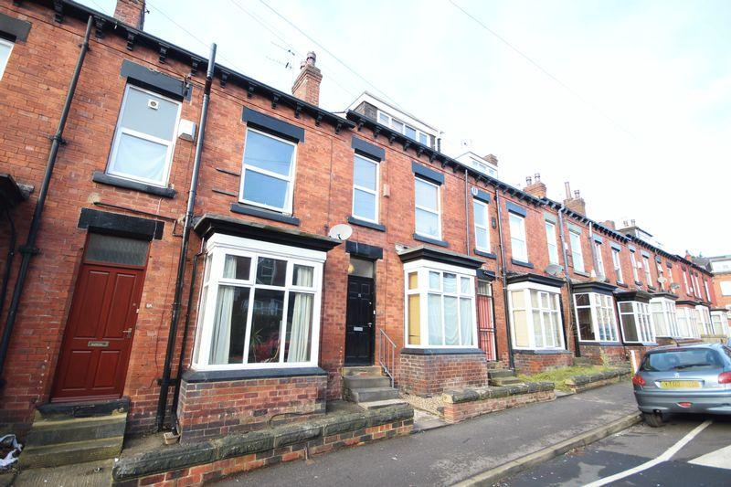 3 Bedrooms Terraced House for rent in Norwood Place, Hyde Park
