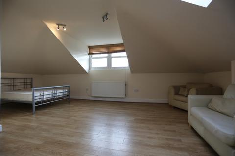 Studio to rent - Dyke Road, Brighton