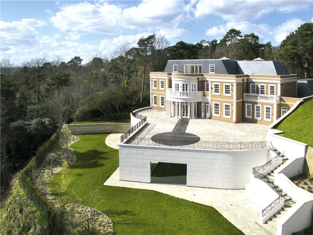 7 Bedrooms Detached House for sale in Camp End Road, St George's Hill, Weybridge, Surrey, KT13