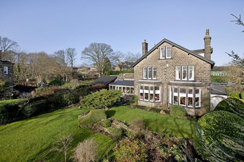 6 Bedrooms Detached House for sale in Ladderbanks Lane, Baildon