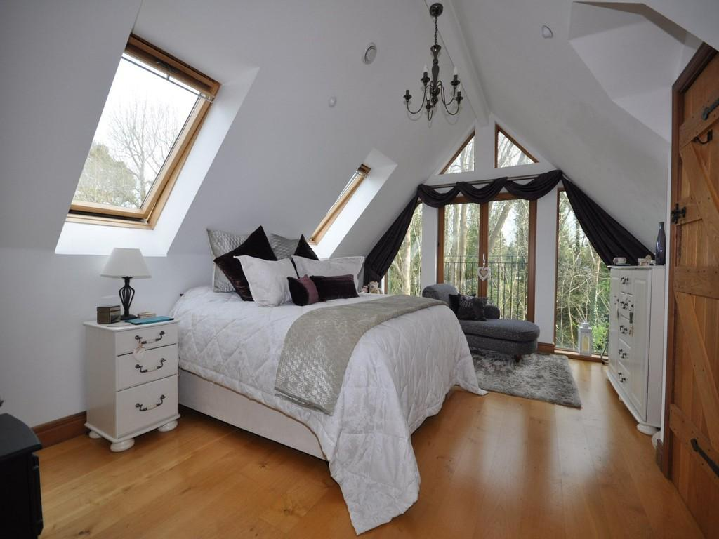 5 Bedrooms Detached House for sale in WORTH
