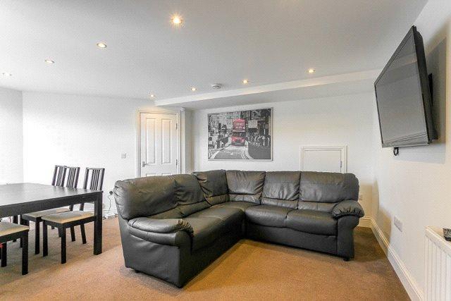 6 Bedrooms Maisonette Flat for rent in Newlands Road, Newcastle Upon Tyne, NE2