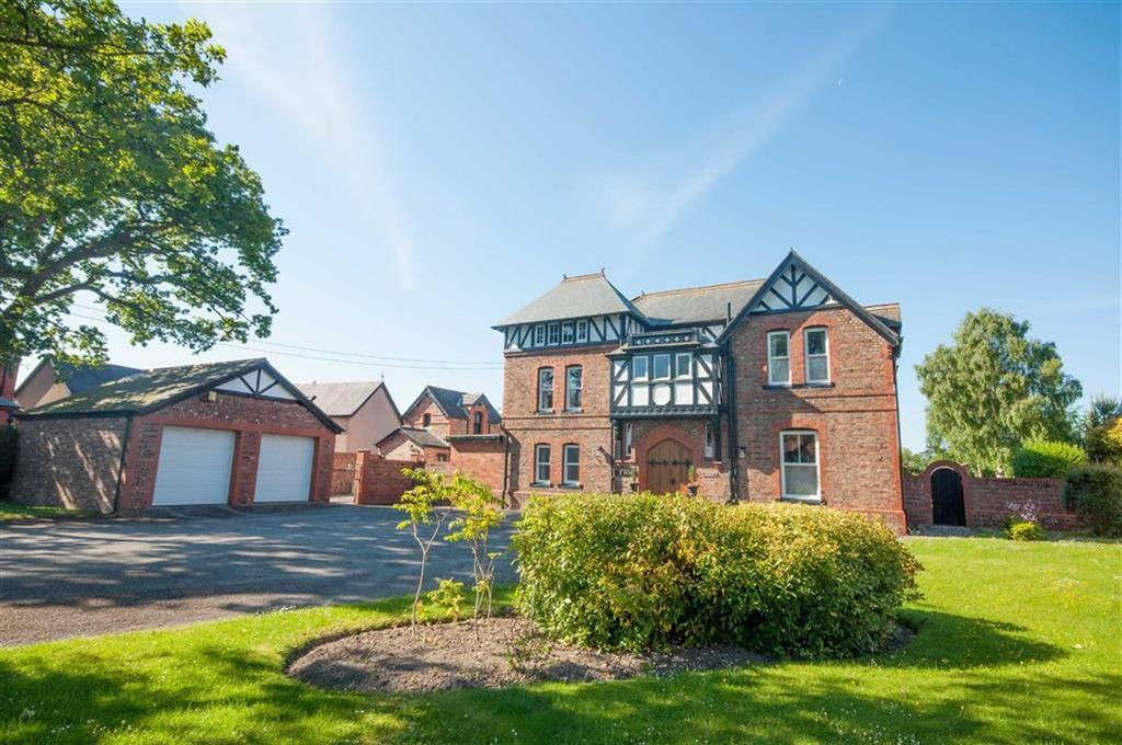 6 Bedrooms Detached House for sale in Ruthin Road, Denbigh, Denbigh
