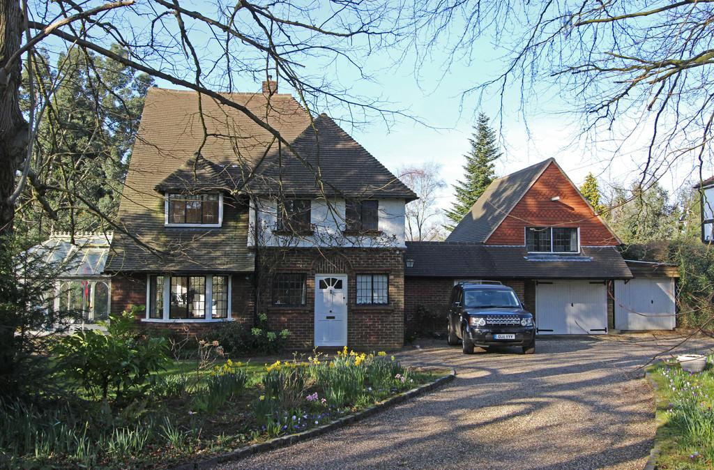 4 Bedrooms Detached House for rent in Bouverie Road, Chipstead