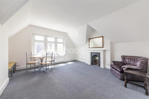 2 bedroom flat to rent - Gleneldon Road, SW16