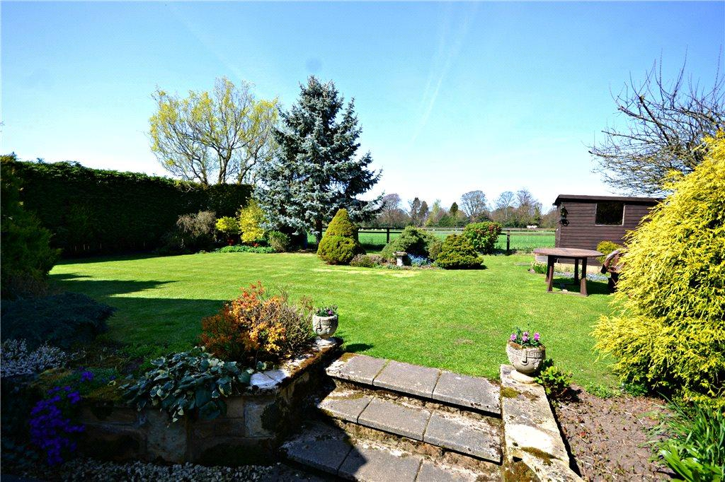 3 Bedrooms Detached Bungalow for sale in Station Road, Great Ayton, North Yorkshire