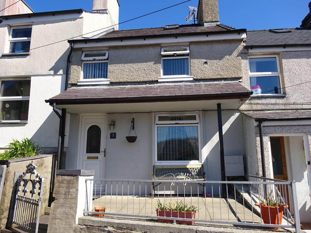 2 Bedrooms Terraced House for sale in TABERNACLE TERRACE, BETHESDA LL57