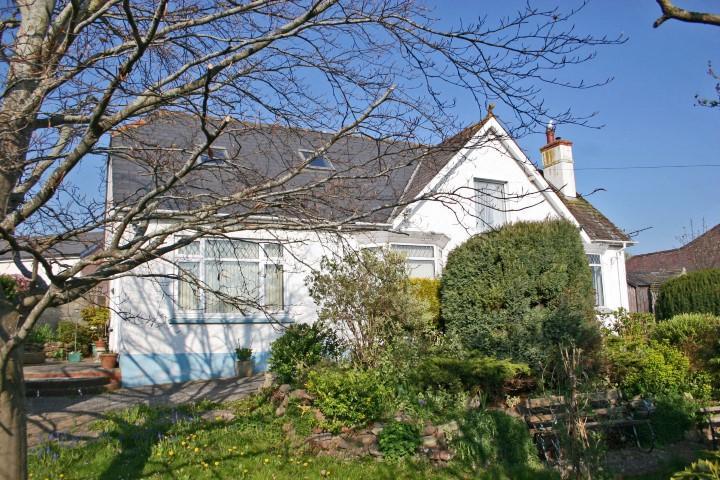 3 Bedrooms Detached Bungalow for sale in Temple Fields, Watchet