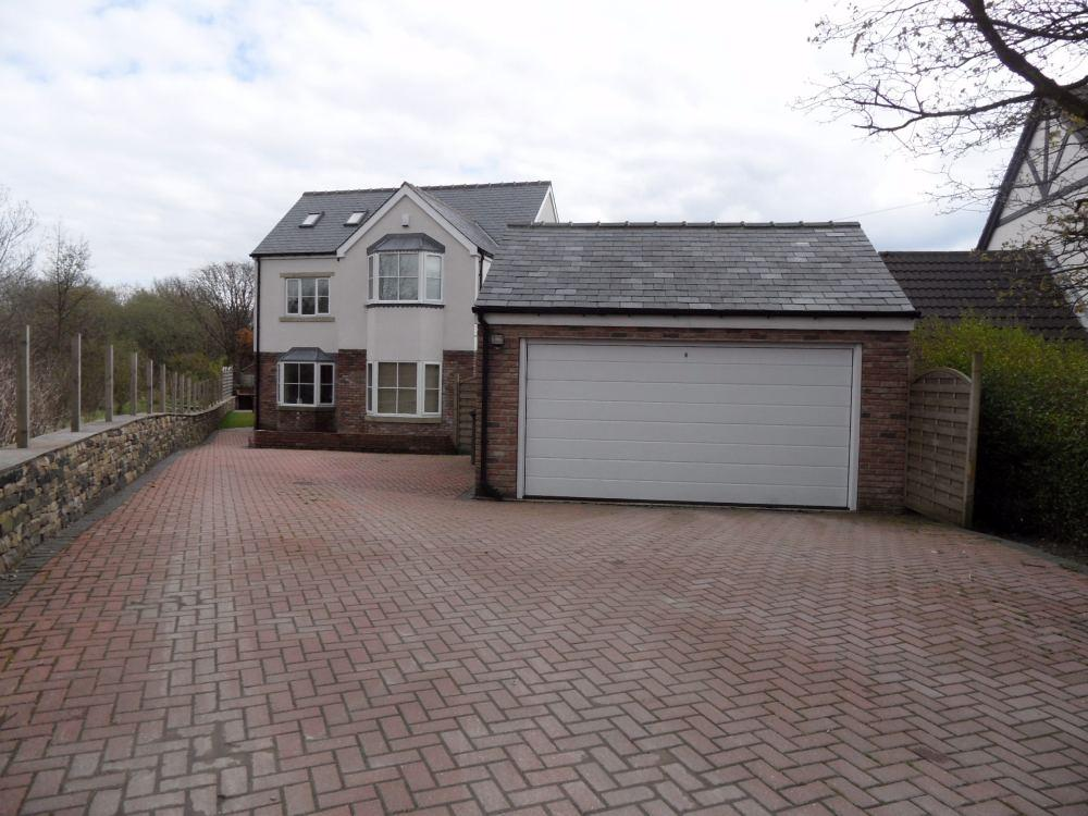 5 Bedrooms Detached House for sale in Bradford Road, Birkenshaw, West Yorkshire