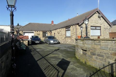 3 bedroom detached bungalow for sale - Moorcroft Road, BRADFORD 4, West Yorkshire