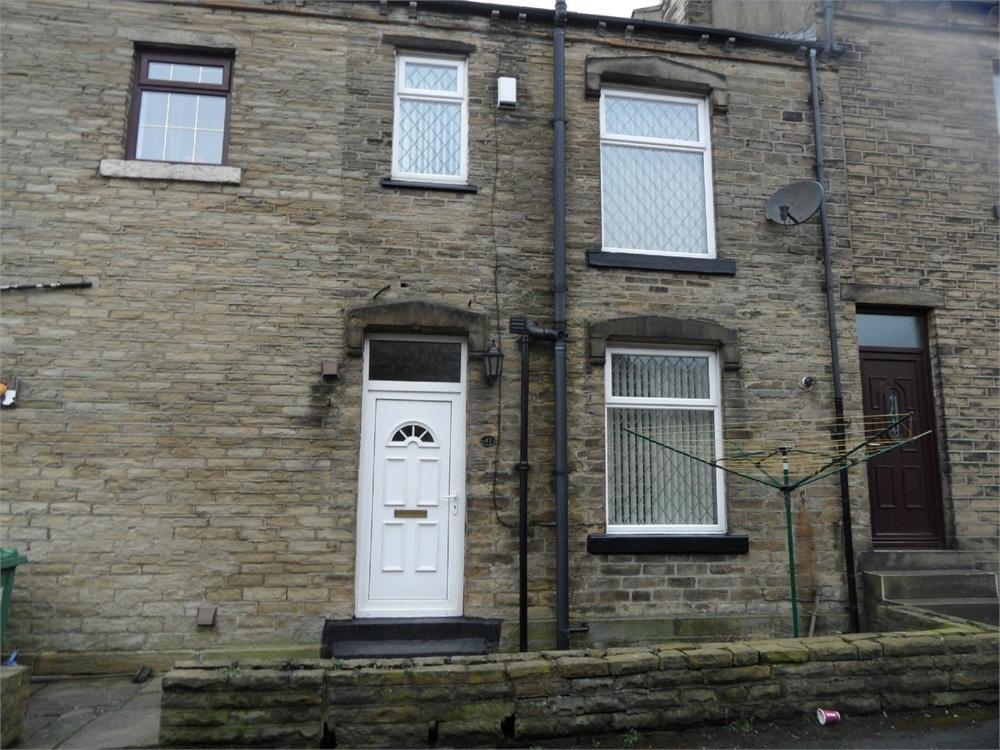 2 Bedrooms Terraced House for sale in Allen Croft, Birkenshaw, West Yorkshire