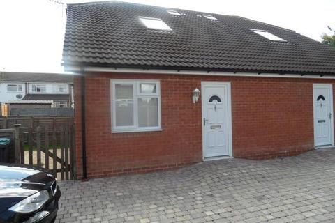 1 bedroom cluster house to rent - Patricia Court, Icknield Road, Luton, Bedfordshire, LU3 2PA