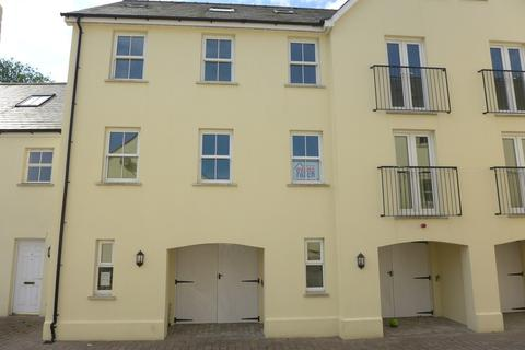 3 bedroom townhouse for sale - Commerce Mews, Haverfordwest