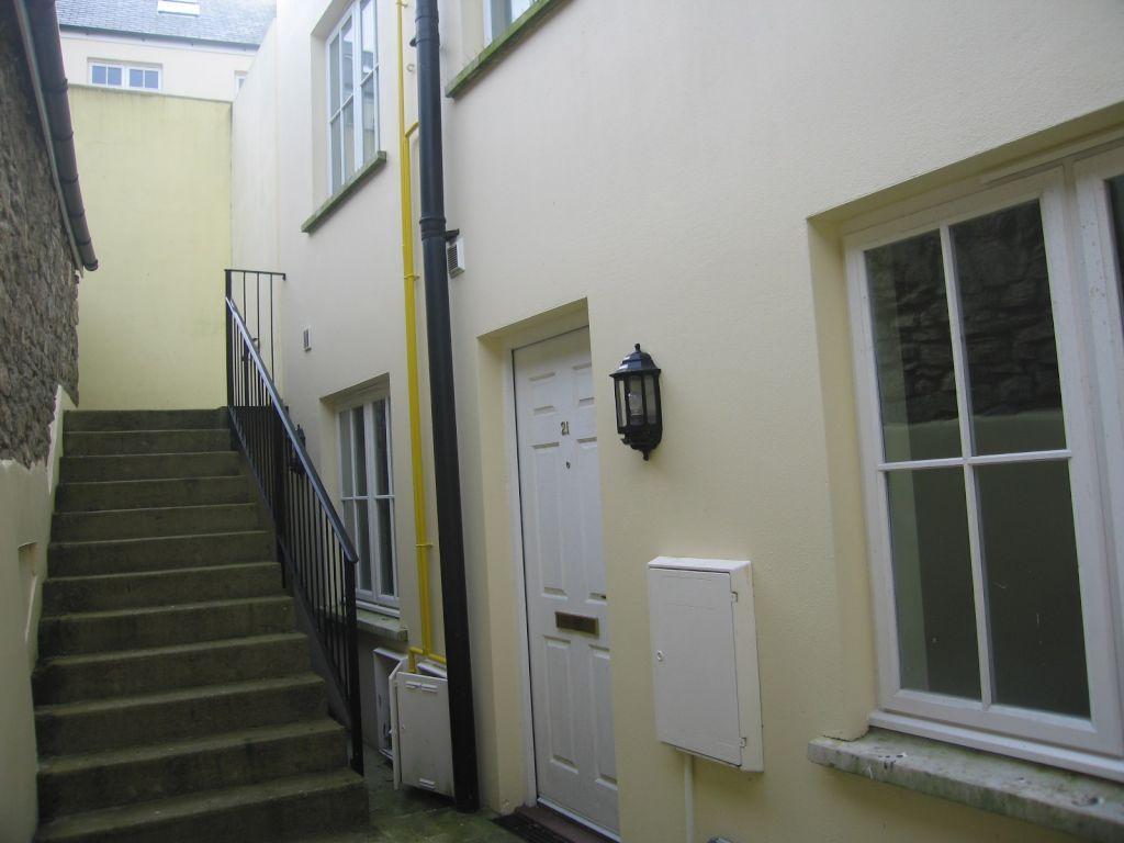 2 Bedrooms Maisonette Flat for sale in Commerce Mews, Market Street, Haverfordwest
