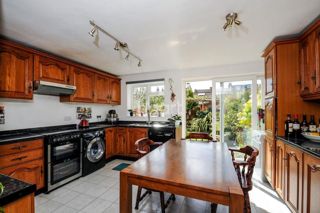 3 Bedrooms Terraced House for sale in Florence Road, Wimbledon, SW19