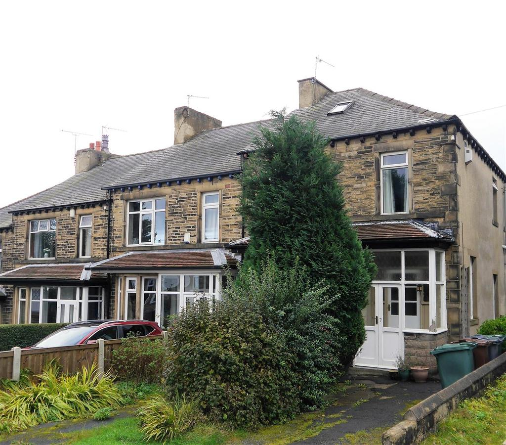 4 Bedrooms Town House for sale in Beechwood Drive, Wibsey, Bradford, BD6 3AG