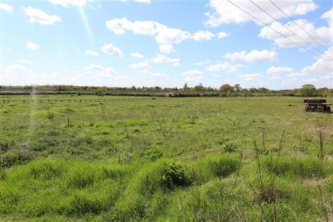 Land for sale - De Beauvoir Chase, Ramsden Heath, Essex