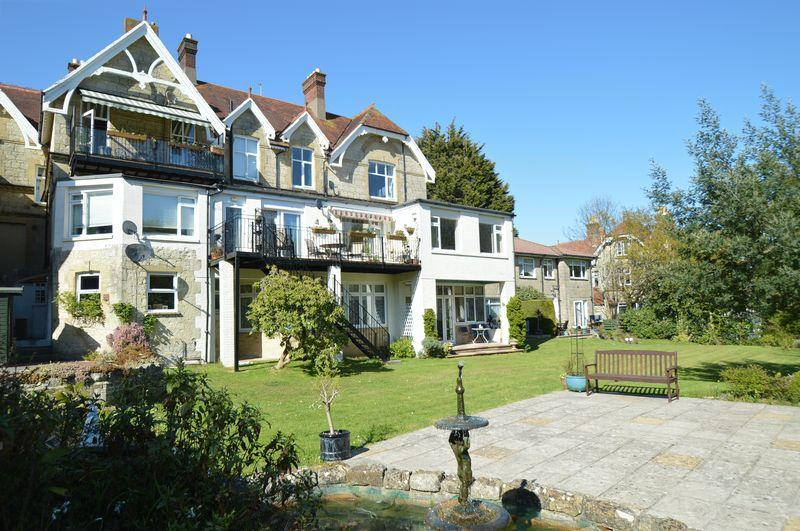 3 Bedrooms Apartment Flat for sale in SHANKLIN