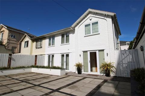 3 bedroom semi-detached house to rent - Parabola Road, Cheltenham