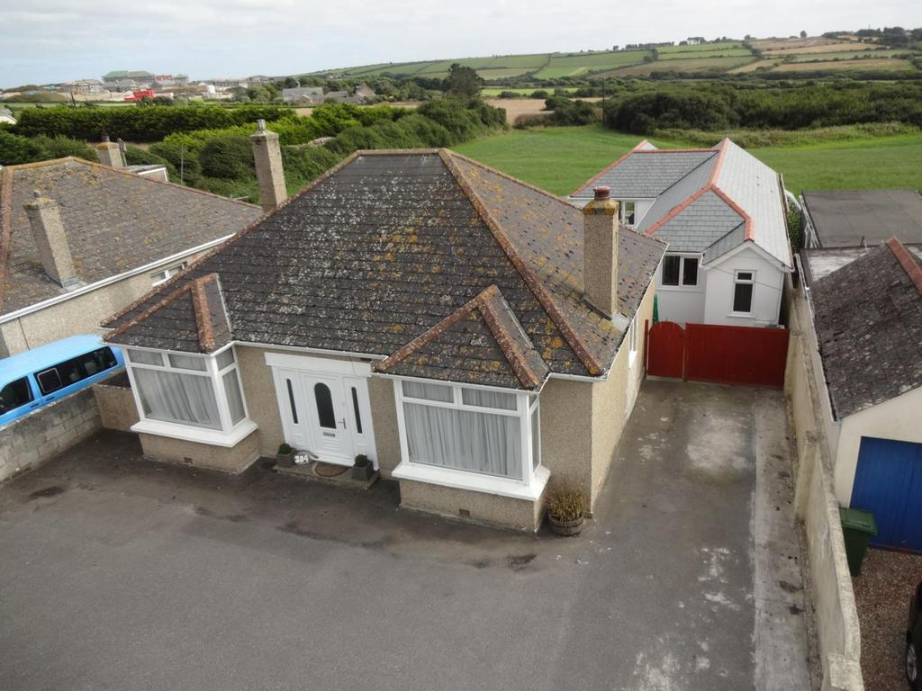 3 Bedrooms Bungalow for sale in Henver Road, Newquay