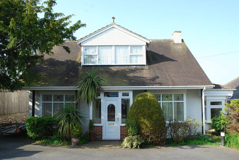 4 Bedrooms Detached House for sale in Quinta Road, Torquay
