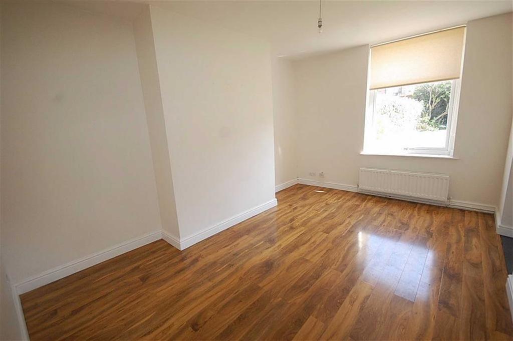 1 Bedroom Flat for sale in Fartown Green Road, Fartown, Huddersfield, HD2