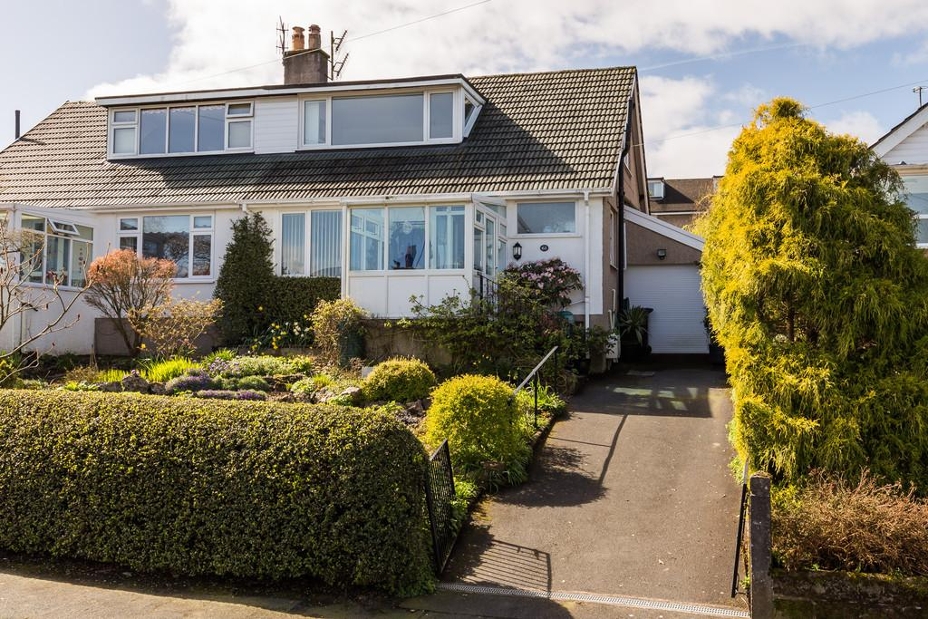 3 Bedrooms Semi Detached Bungalow for sale in 61 Plantation Avenue, Arnside, Cumbria, LA5 0HX
