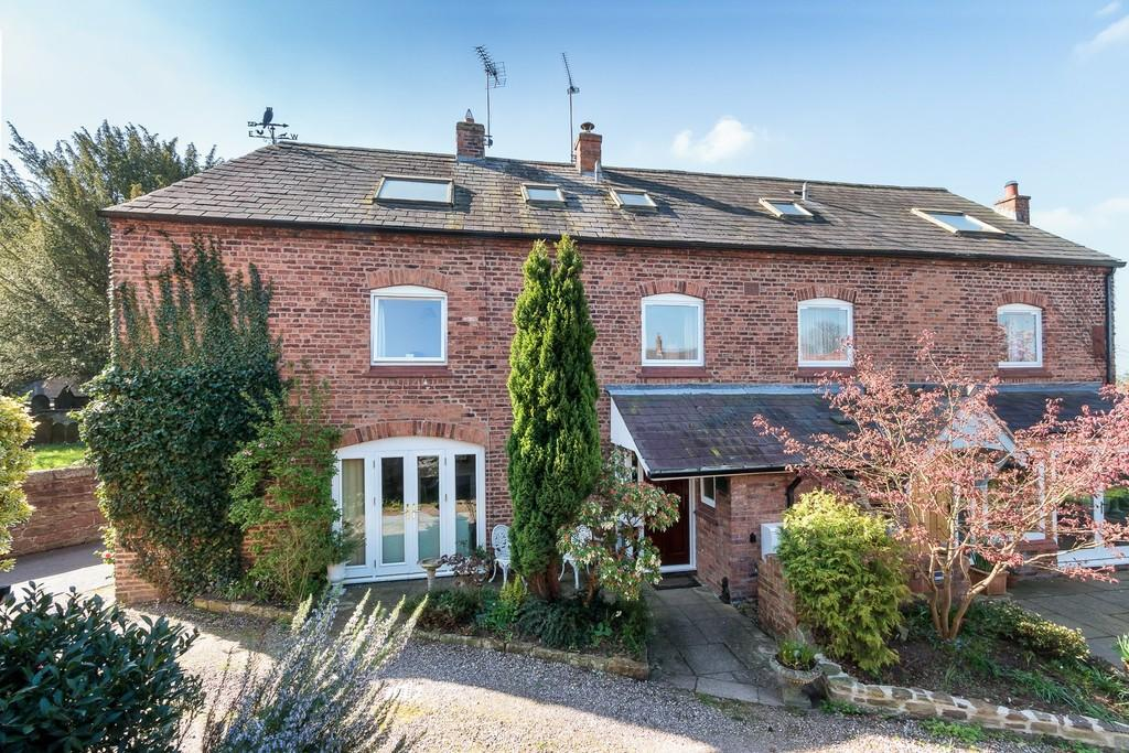 4 Bedrooms Semi Detached House for sale in East Barn, Farndon, CH3 6RX