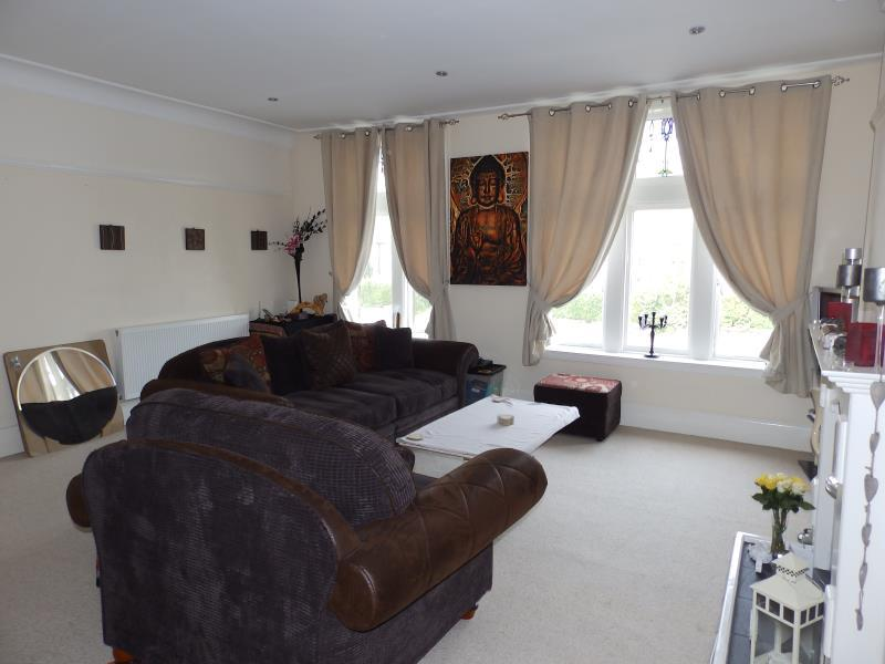 2 Bedrooms Duplex Flat for sale in BACK DEVONSHIRE LANE, LEEDS, LS8 1DX