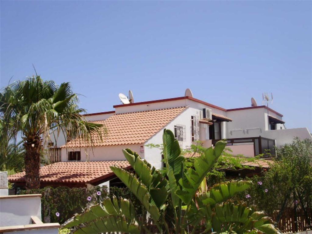 2 Bedrooms Semi Detached House for sale in Parque Hollandes, la Oliva, Fuerteventura