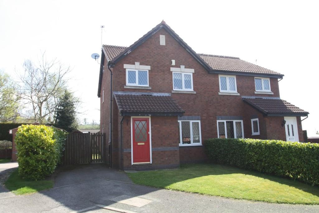 3 Bedrooms Semi Detached House for sale in 26 Bramley Court, Kelsall, CW6 0RF