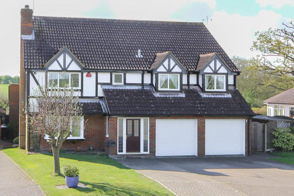 5 Bedrooms Detached House for sale in Codicote Heights Rabley Heath Road, Welwyn, Hertfordshire