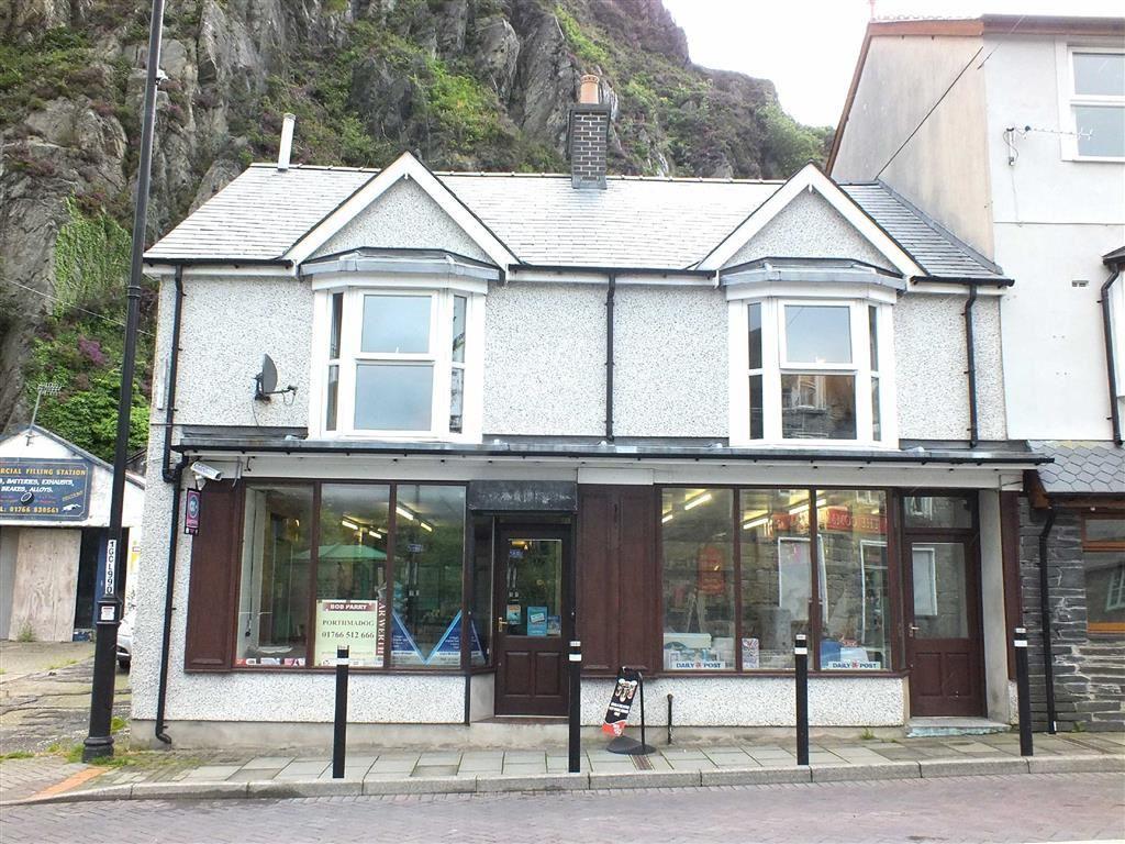 2 Bedrooms Semi Detached House for sale in Commercial Stores, Blaenau Ffestiniog, Gwynedd
