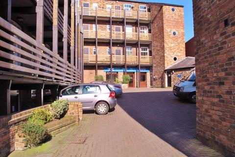1 bedroom flat to rent - 4 Georges Court, 121 Chestergate, Macclesfield, SK11 6DP
