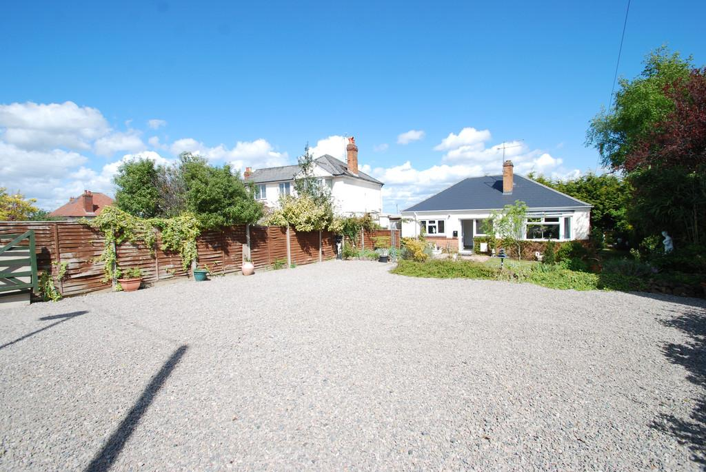 2 Bedrooms Detached Bungalow for sale in Leigh Sinton Road, MALVERN