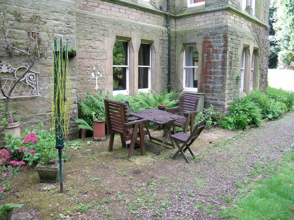 Bbq / outdoor seating area