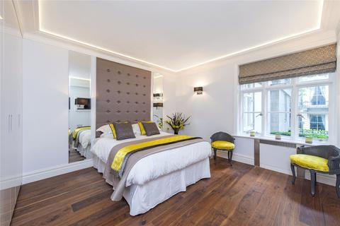 1 bedroom flat to rent - Chesterfield House, Chesterfield Gardens, W1J