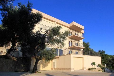 9 bedroom apartment  - Crvena Glavica, Sv. Stefan, Budva