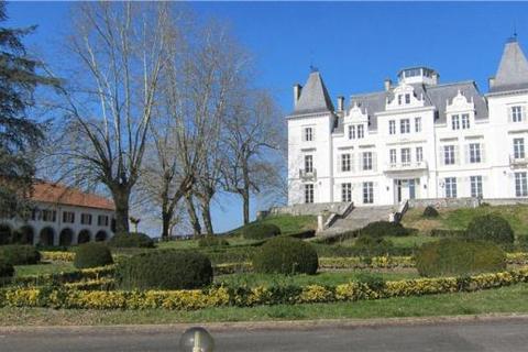 8 bedroom house  - Saint Palais, Aquitaine, South West France