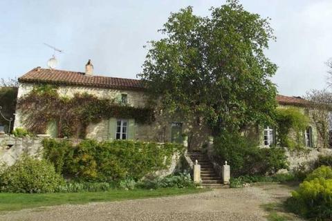 7 bedroom farm house  - Nr Agen, Lot Et Garonne, Aquitaine