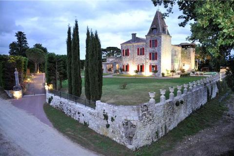 8 bedroom house  - Monflanquin, Lot Et Garonne, Aquitaine