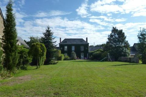 6 bedroom farm house  - Chateauneuf Sur Sarthe, Maine Et Loire, North West France