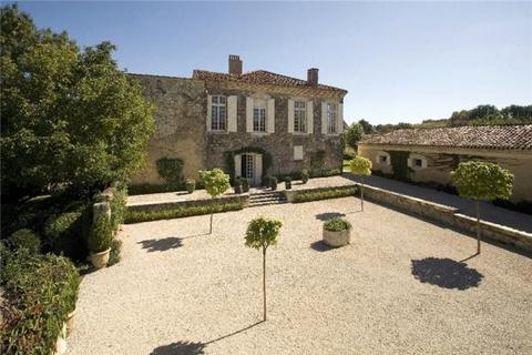 10 bedroom house  - Chateau de Mazères, Lartigue, Gers, France
