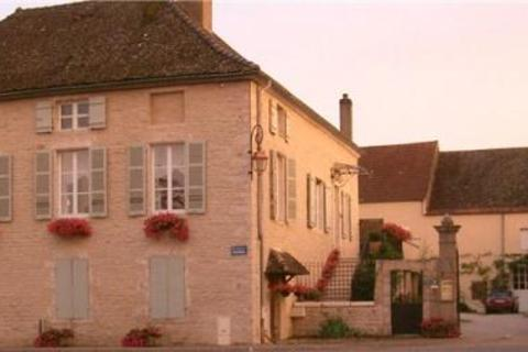5 bedroom townhouse  - Place Des Marronniers, Puligny-Montrachet