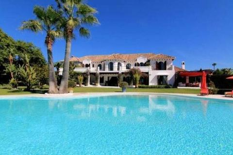 8 bedroom house  - Paraiso Barronal, Estepona, Costa Del Sol
