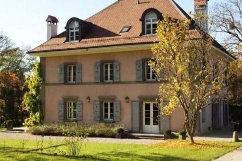 2 bedroom house  - Troinex, Geneva, Switzerland